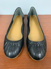 Load image into Gallery viewer, Easy Spirit Jitney Black Leather Size 6.5W