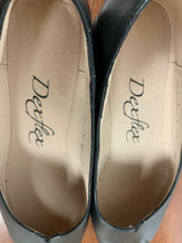 Load image into Gallery viewer, NEW Dexflex Black Handmade Entirely Shoes size 6.5