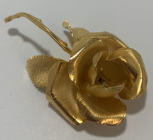 Load image into Gallery viewer, Vintage Cerrito Gold Tone Brushed Metal Rose Pin