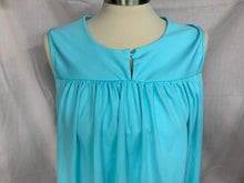 Load image into Gallery viewer, CW Classics Size large Sleeveless Light Blue Pullover FlowyTop Blouse