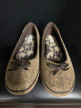 Load image into Gallery viewer, Grasshoppers Brand Slip on Shoes Brown Tweed Sz 6