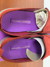 Load image into Gallery viewer, NIB Suaznne Sommers Collection Crimson Red slide shoes size 8M
