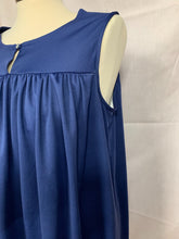 Load image into Gallery viewer, CW Classics Size large Sleeveless Blue Pullover FlowyTop Blouse