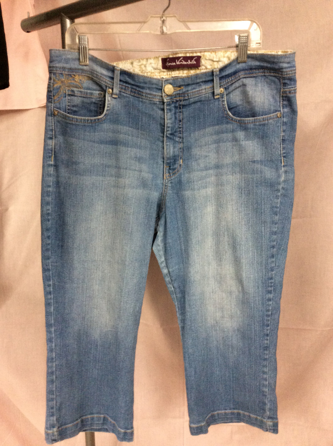 Gloria Vanderbelt Size 14 5 Pocket Embellishment Pedal Pusher Jeans