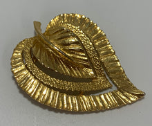 Load image into Gallery viewer, Vintage Gerry's Gold Tone Feather Brooch/Pin