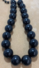 Load image into Gallery viewer, Vintage Large round Bead Choker Style Strand Necklace