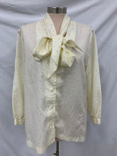 Load image into Gallery viewer, Catalina 1970s Longsleeve Tie Front Blouse XL