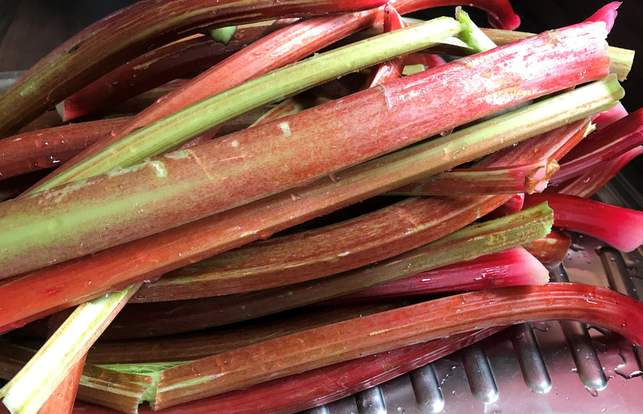 Seasonal Fruit - Rhubarb Crumble Recipe