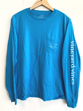 Load image into Gallery viewer, Vineyard Vines Long Sleeve T-Shirt Size Small