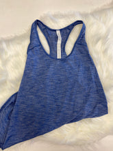 Load image into Gallery viewer, Lulu Lemon Athletic Top Size Medium (6)