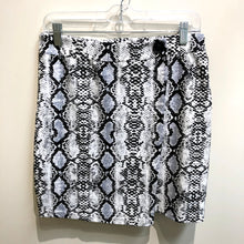 Load image into Gallery viewer, Shein Womens Short Skirt Extra Large-IMG_8765.jpg