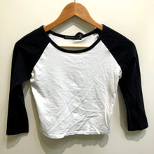 Load image into Gallery viewer, Brandy Melville Womens Long Sleeve T-Shirt Small-IMG_8825.jpg