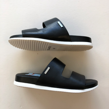 Load image into Gallery viewer, Calvin Klein Sandals Womens 6