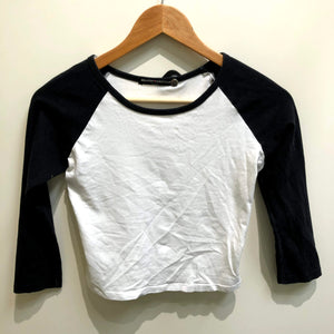 Brandy Melville Womens Long Sleeve T-Shirt Small-IMG_8825.jpg