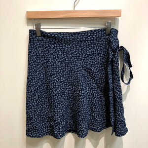 Brandy Melville Womens Short Skirt Small-IMG_9423.jpg