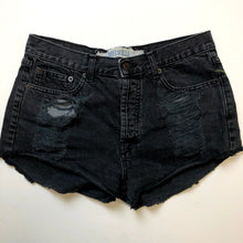 Load image into Gallery viewer, Brandy Melville Womens Shorts Size 9/10-IMG_8532.jpg