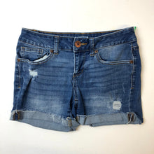 Load image into Gallery viewer, So Womens Shorts Size 3/4-IMG_9067.jpg