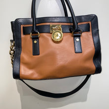 Load image into Gallery viewer, Michael Kors Purse -IMG_3677.JPEG
