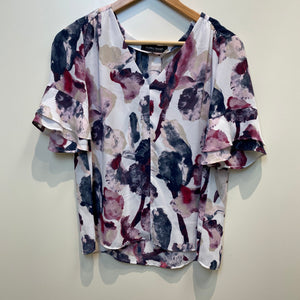 Womens Short Sleeve Top Small-IMG_3937.jpg