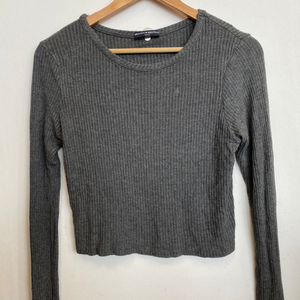 Brandy Melville Long Sleeve T-Shirt Size Small