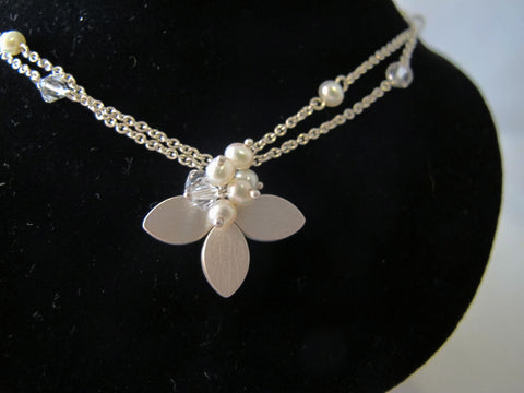 Clover Pendant necklace