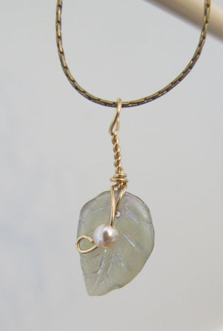 Pearl Crystal/Leaf Woodsprite necklace