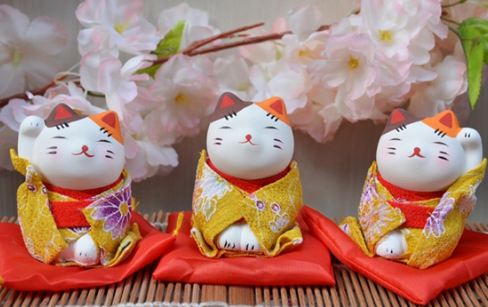 Mini Japanese kimono lucky cat decoration