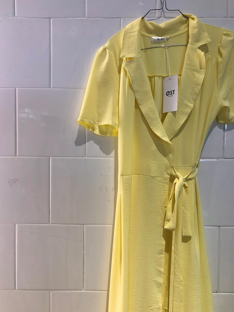 Lea Wrap Dress Lemon -Short