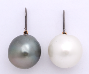 Black and White Tahitian Pearl Earring