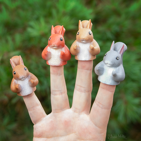 Finger Puppet Squirrel - Leon & Lulu