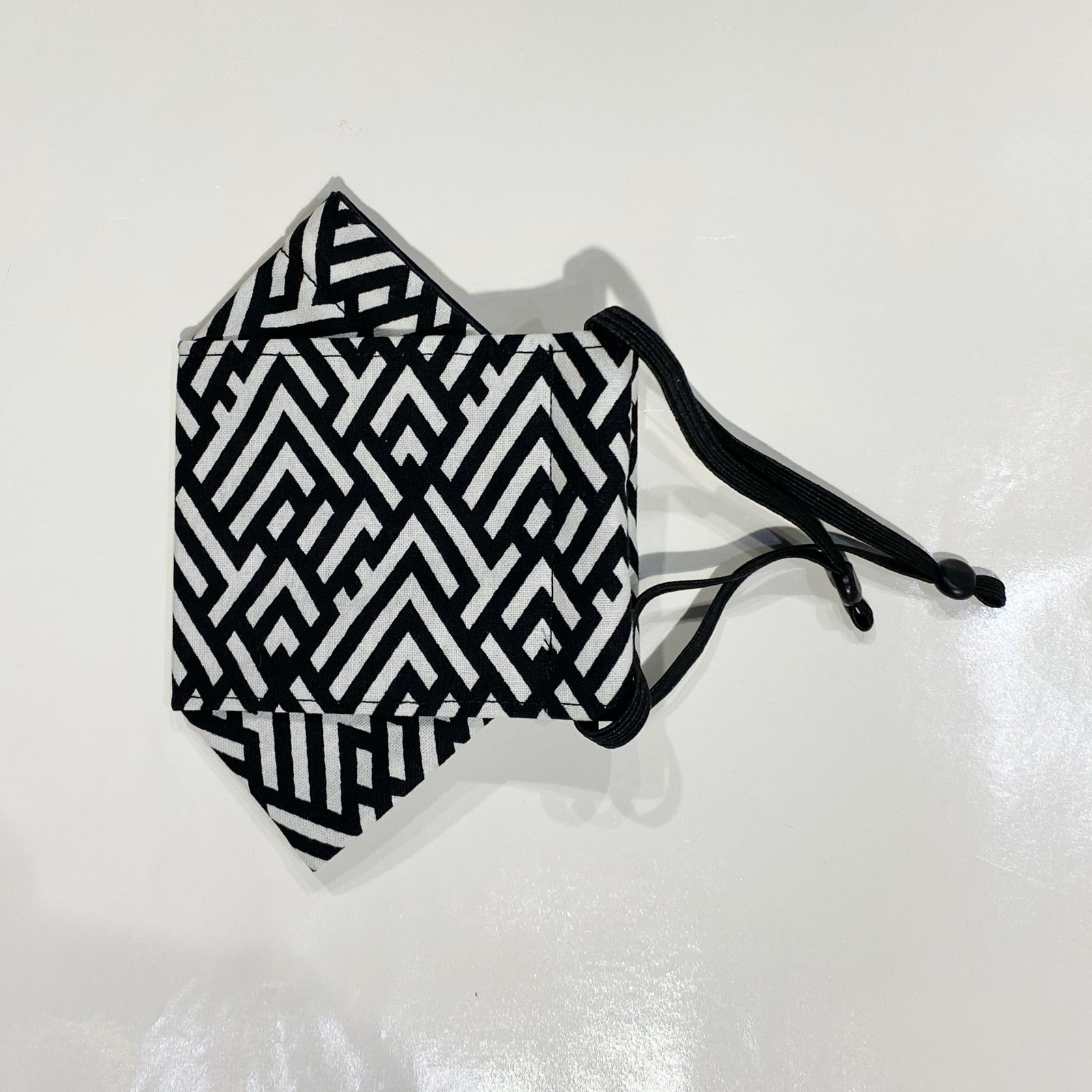 FOLDING STYLE MASK - GEOMETRIC MOUNTAIN