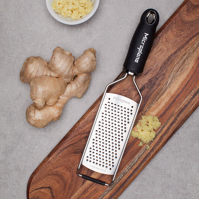 Microplane Gourmet Course Grater Black - CLNRY Cookware