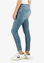 Load image into Gallery viewer, Kut From The Kloth Donna Hi-Rise Ankle Skinny