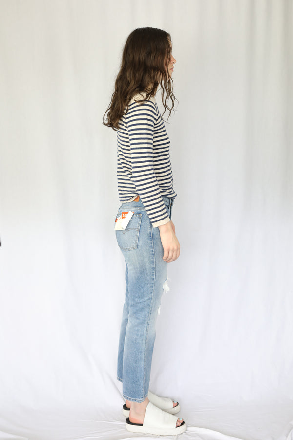 517 Bootcut Distressed Jean