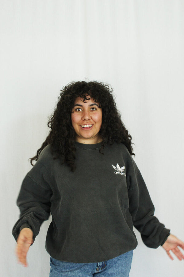90s Embroidered Logo Sweatshirt
