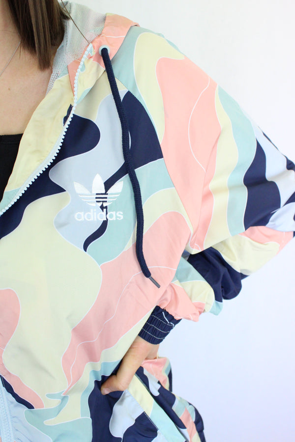 Colour-blocked windbreaker