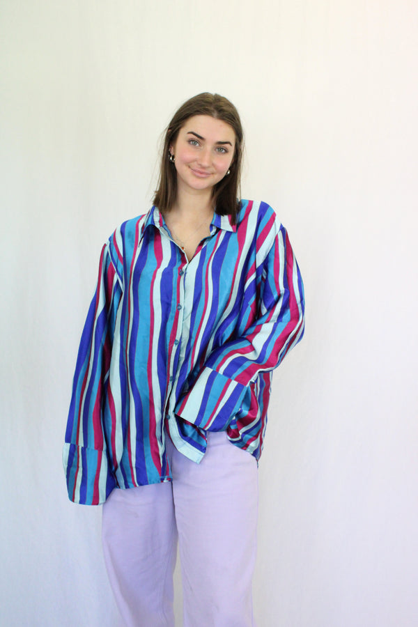 Abstract retro patterned shirt