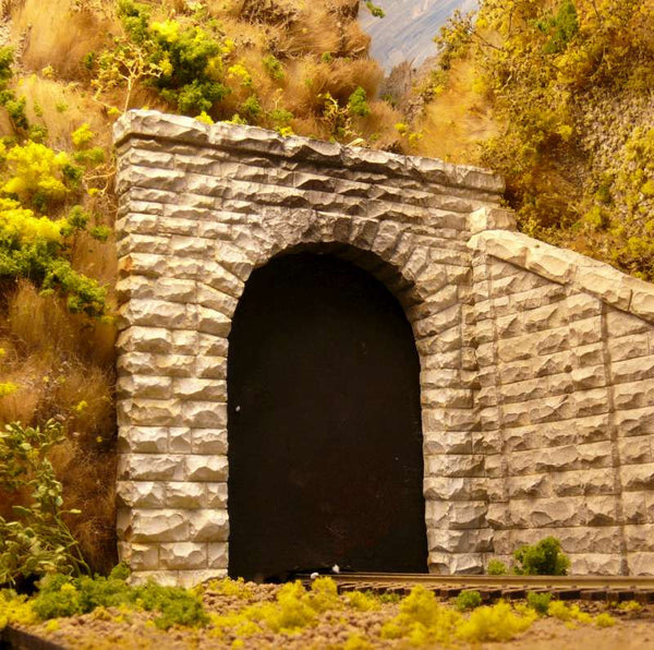 HO Chooch Single Cut Stone Tunnel Portal #8340