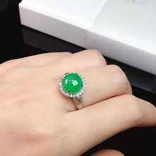 Load image into Gallery viewer, Cabochons Jadeite Ring in Green Jade