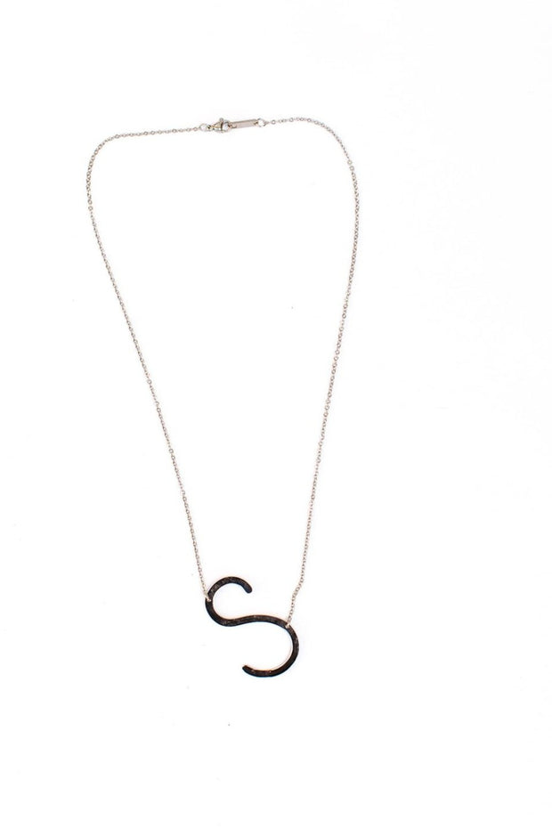 maran initial necklaces