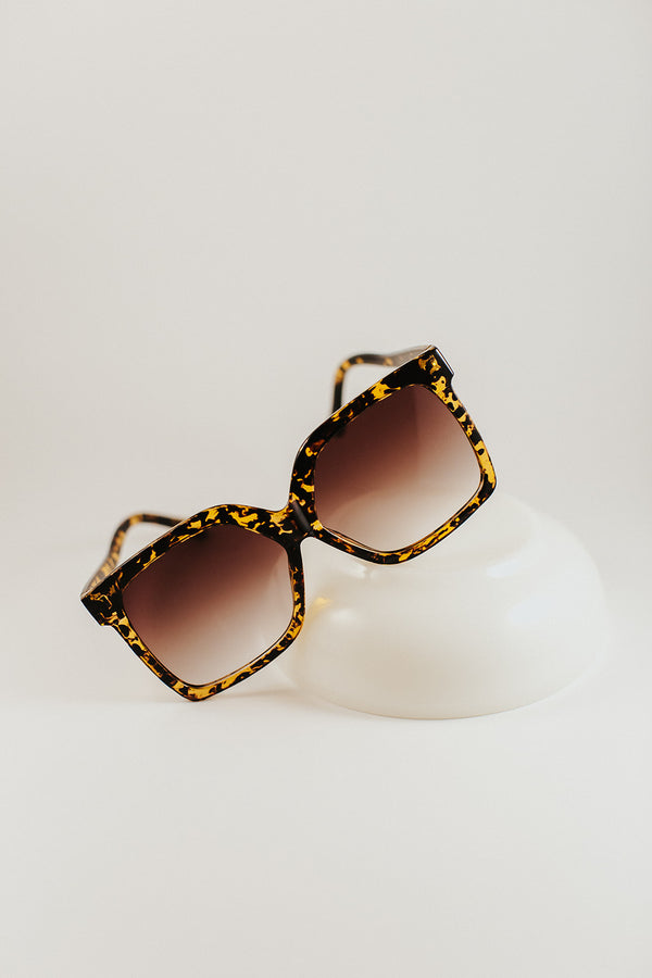 delilah oversized sunglasses