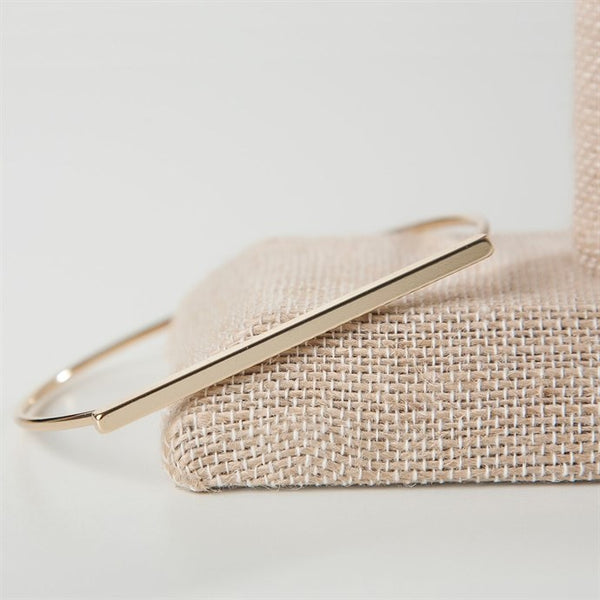 Basic Bar Wire Bangle