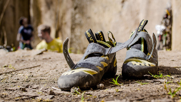How to buy climbing shoes