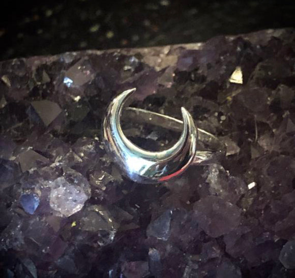 Crescent Moon Ring - Sterling Silver - Pagan - Moon Phase