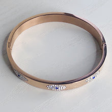 Load image into Gallery viewer, Circe's Circle Bracelet