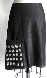 SIMPLY-A SKIRT counting the days charcoal