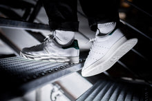 Laden Sie das Bild in den Galerie-Viewer, adidas Stan Smith - Goldjunge-Store