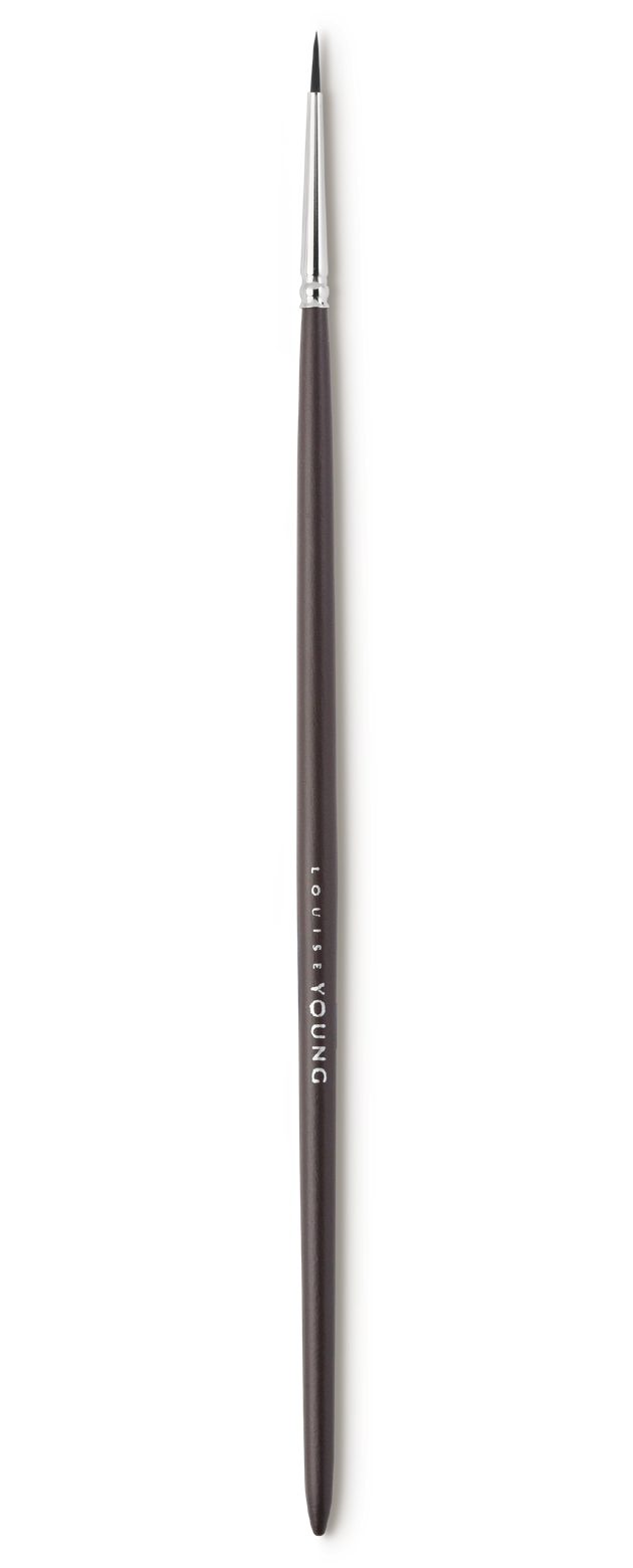 A superfine eyeliner brush creates fine lines and can be used to give the illusion of thicker lashes.