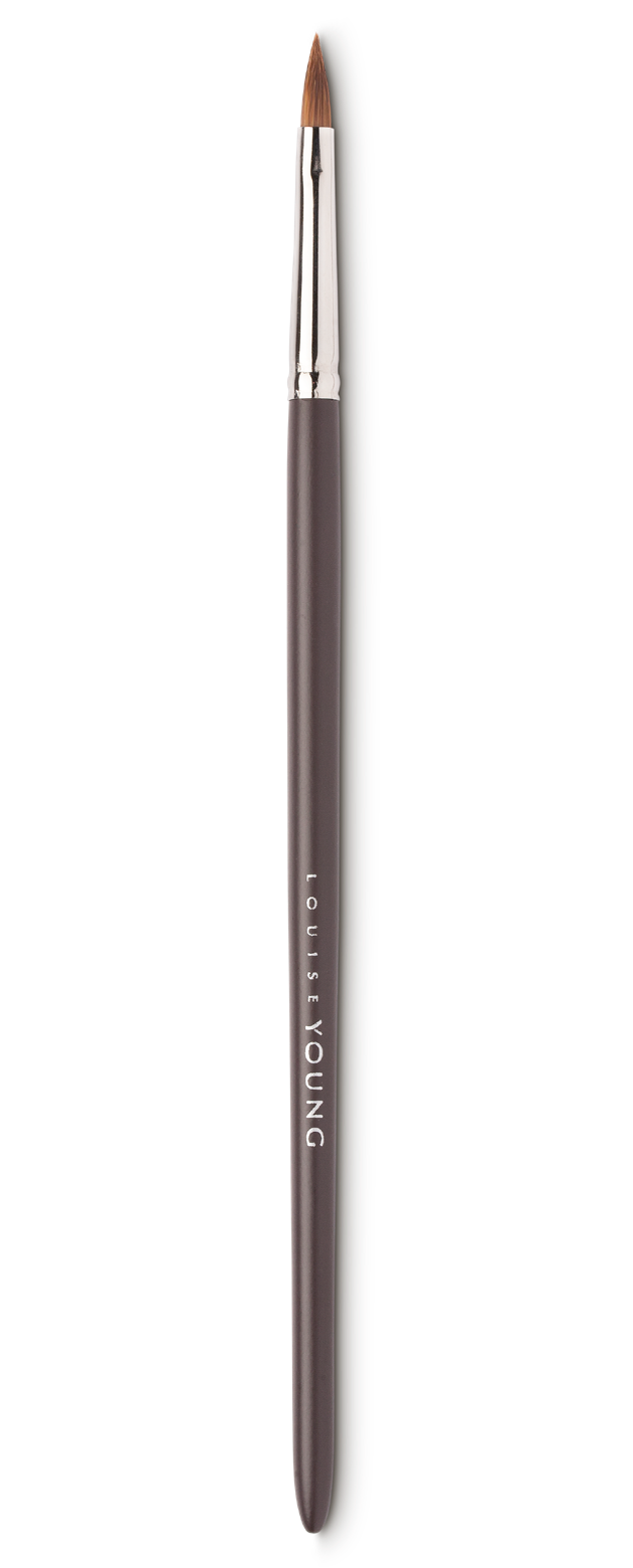 The filbert shape of this lip brush allows for the precise application of lipstick, gloss and balm – our most popular brush amongst professional make-up artists!  Louise Young Vegan brushes are handmade in the UK, individually crafted and checked at all stages to create a durable and luxurious product.