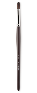 Medium-sized tapered brush for eyeshadow application.